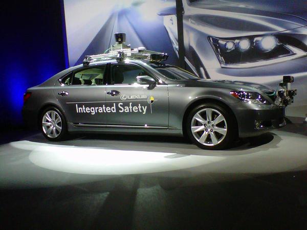 la-fi-tn-ces-hy-lexus-driverless-car-20130107-002