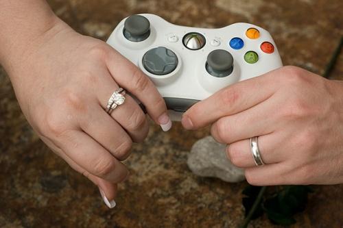 halo-wedding-rings