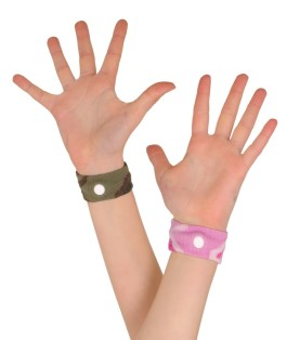 motion-sickness-wristbands-902x1024