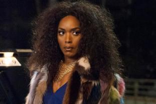 "AMERICAN HORROR STORY -- ""Mommy"" Episode 503 (Airs Wednesday, October 21, 10:00 pm/ep) Pictured: Angela Bassett as Ramona. CR: Suzanne Tenner/FX"